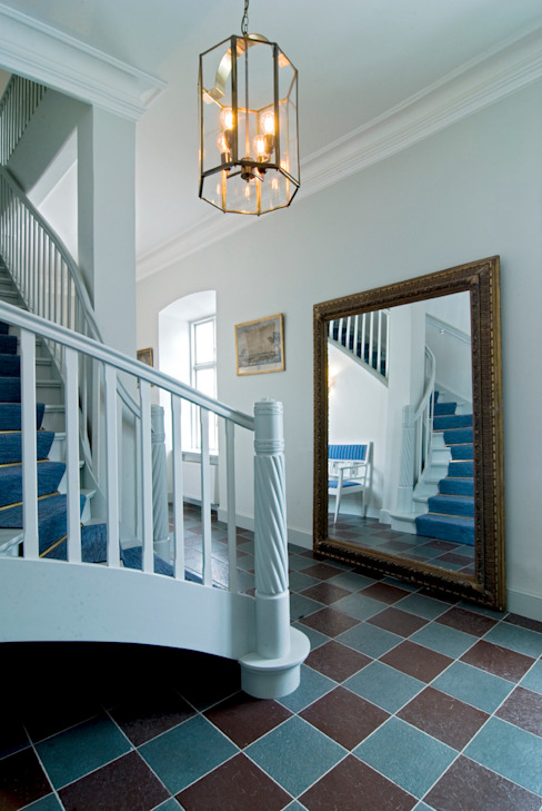 Grand Staircase Classic style corridor, hallway and stairs by homify Classic