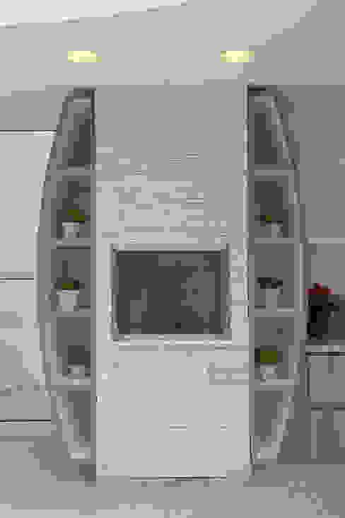 modern  von Arquiteto Aquiles Nícolas Kílaris, Modern