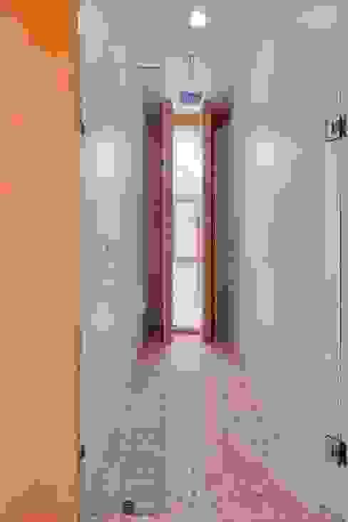 Modern bathroom by Excelencia en Diseño Modern