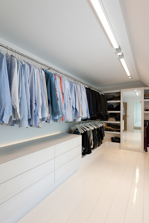 Modern style dressing rooms by FilipTackdesignoffice Modern