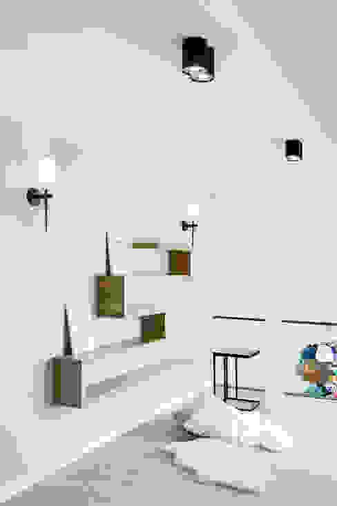 k o l o r w e w n ę t r z u Skandynawski korytarz, przedpokój i schody od DK architektura wnętrz Skandynawski