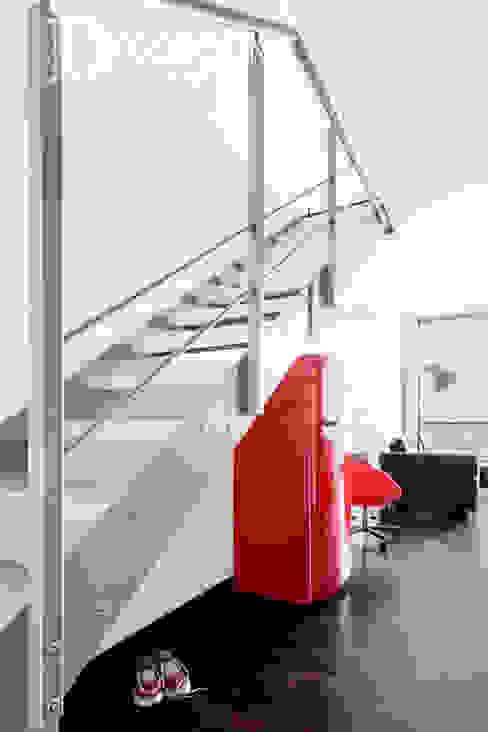 Pracownia Architektury Wnętrz Decoroom Industrial style corridor, hallway and stairs