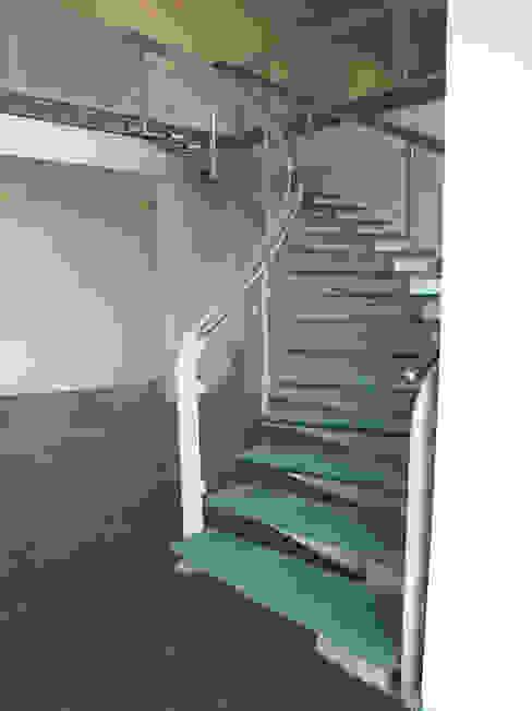 Visal Merdiven – Tümosan - Konya: modern tarz , Modern