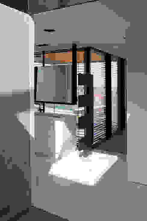 Projekty,  Łazienka zaprojektowane przez Architekt Zoran Bodrozic, Minimalistyczny
