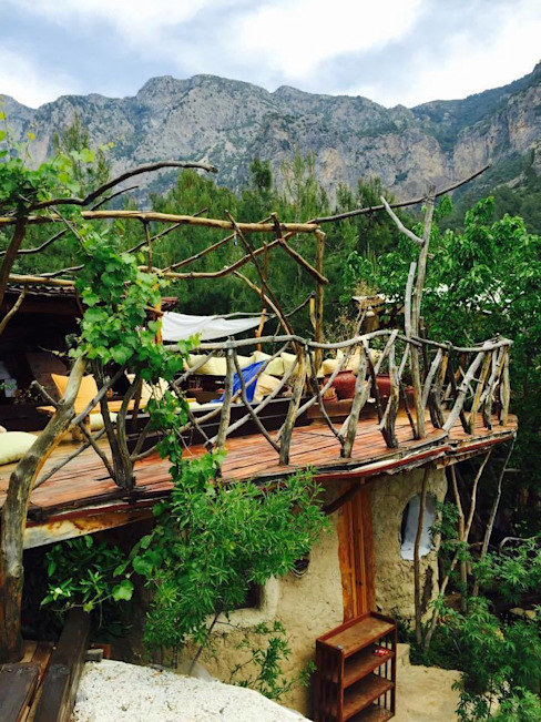 Reflections Camp badem ağacı Akdeniz Balkon, Veranda & Teras