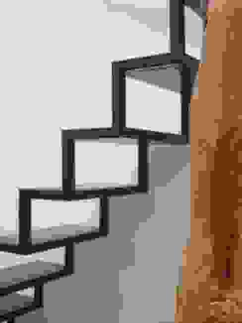 客廳 by B-mice Design + Architecture