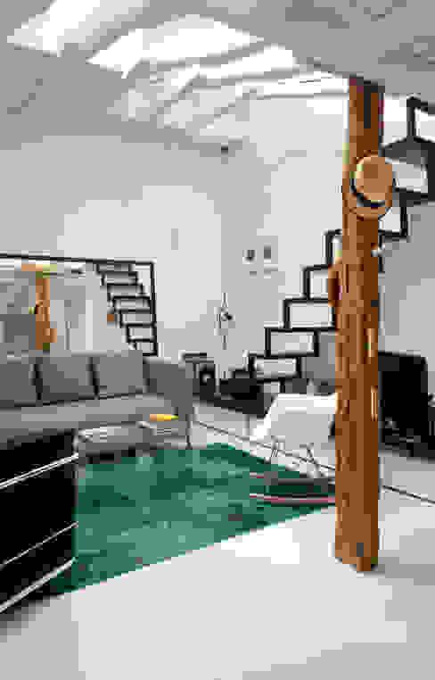 Salon Salones de estilo moderno de B-mice Design + Architecture Moderno