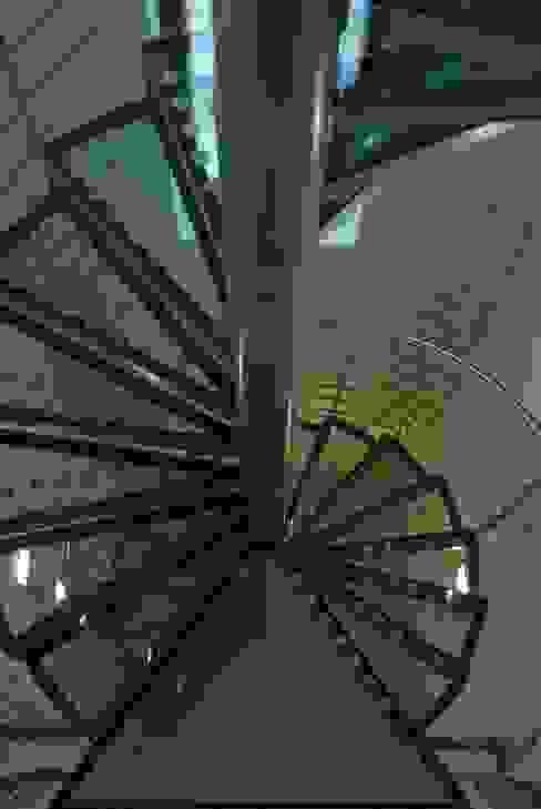 Treppen und Geländer Ernst Stahl- und Treppenbau GmbH Moderner Flur, Diele & Treppenhaus