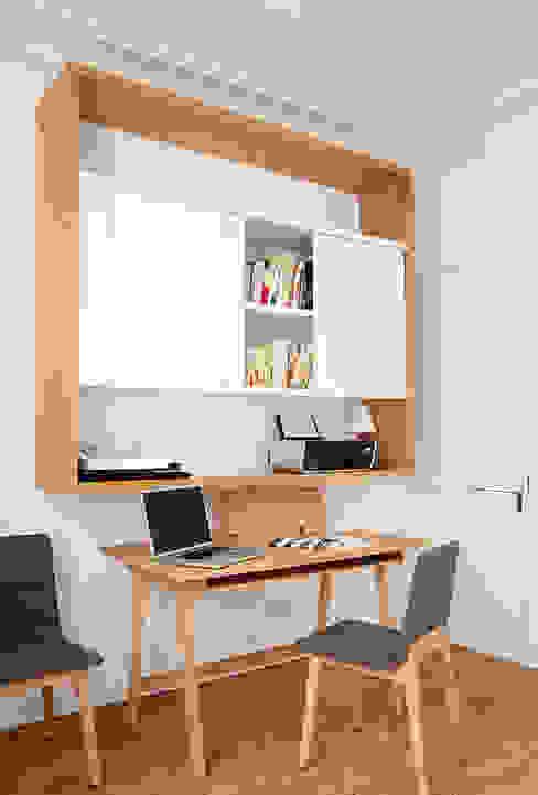 Haussmanien et Design Bureau minimaliste par ATELIER FB Minimaliste