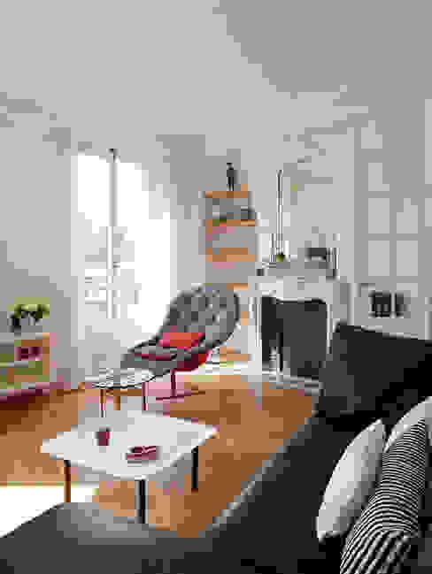 Haussmanien et Design : Salon de style  par ATELIER FB, Minimaliste