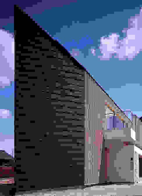 ¬(サシガネの家) オリジナルな 家 の 岩本賀伴建築設計事務所 オリジナル