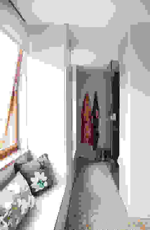 Closet Closets modernos por homify Moderno