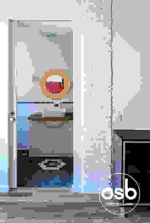 Eklektyczna łazienka od osb arquitectos Eklektyczny