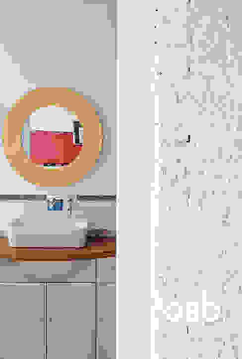 Salle de bain originale par osb arquitectos Éclectique