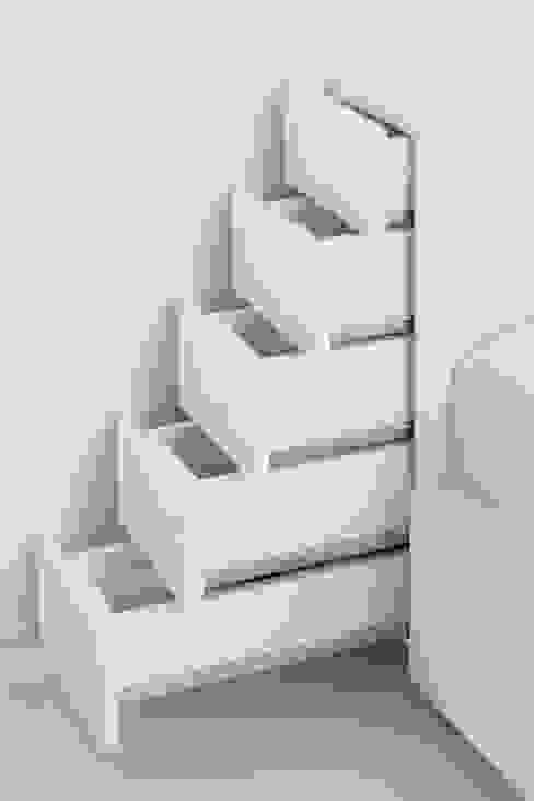 Apartamento no Porto - Portugal por Cláudio Vilarinho Arquitectura e Design Lda Minimalista