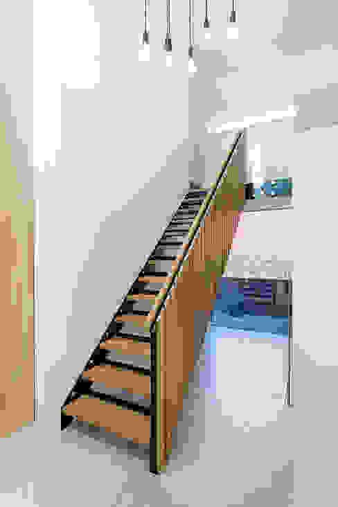 Koridor dan lorong oleh Ayre Chamberlain Gaunt , Klasik