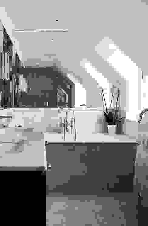 Bathroom 2 Modern bathroom by homify Modern