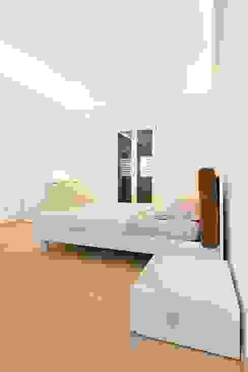 Casa A&C Camera da letto minimalista di Giuseppina PIZZO Minimalista