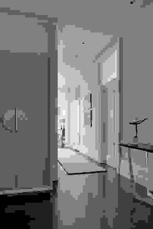 Hallway Modern corridor, hallway & stairs by homify Modern