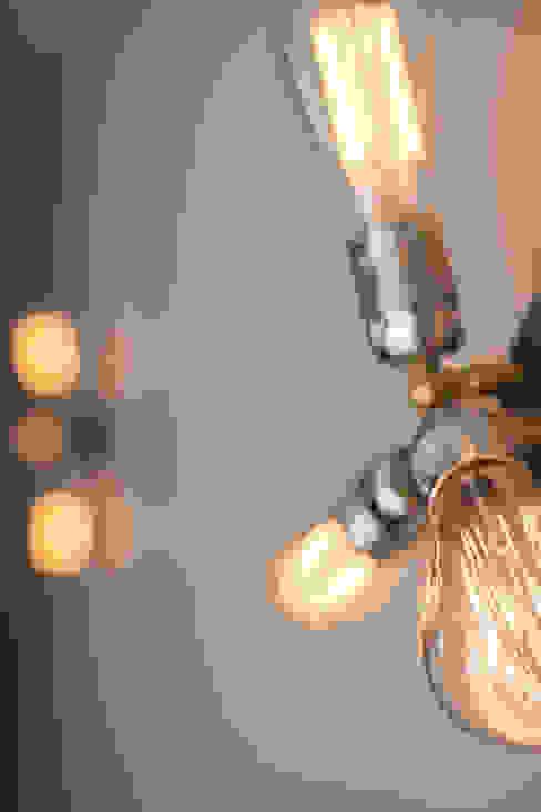 Light Detail Modern Living Room by homify Modern