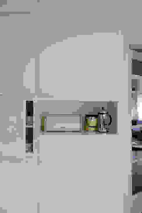 Modern style kitchen by studio k Modern