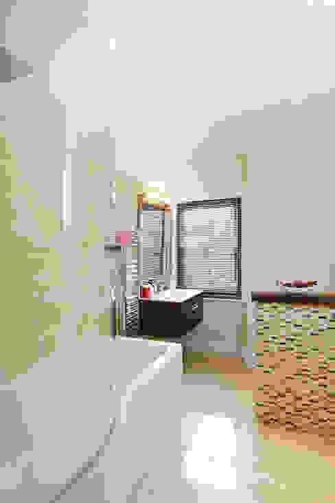 1880s refurbishment:  Bathroom by Etons of Bath,