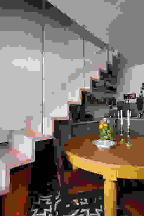 Duplex sur cour pour amateur de curiosité Cuisine industrielle par Jean-Bastien Lagrange + Interior Design Industriel