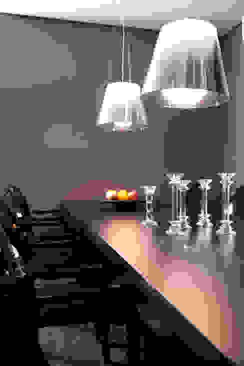 Detalhe da Sala de Jantar Salas de jantar modernas por dsgnduo Moderno