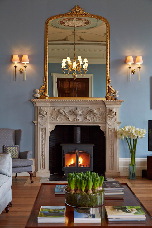 Georgian Country House:  Living room by Etons of Bath, Classic