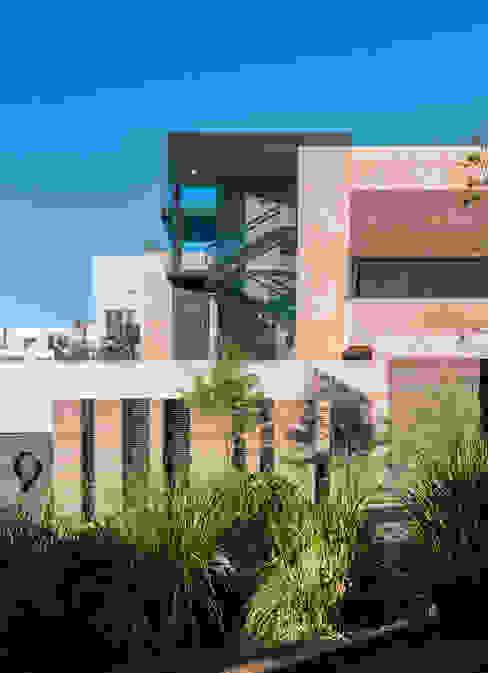 Houses by Gantous Arquitectos, Modern