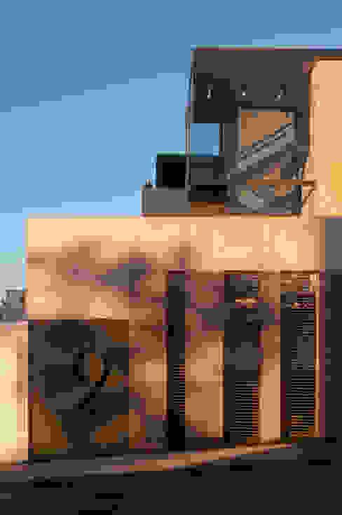 Casa ML: Casas de estilo  por Gantous Arquitectos, Moderno