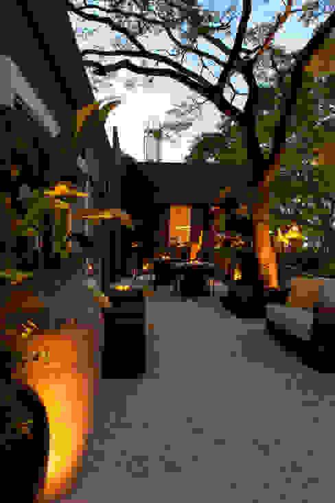 CasaCor Trio | 2010 Jardins minimalistas por Folha Paisagismo Minimalista