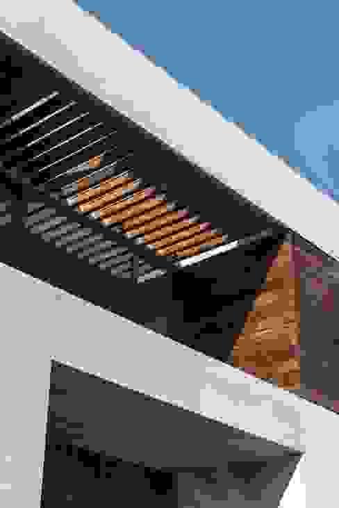 BB Residence Hiên, sân thượng phong cách hiện đại bởi Gantous Arquitectos Hiện đại