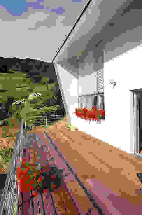Terrasse Klassischer Balkon, Veranda & Terrasse von architope Klassisch