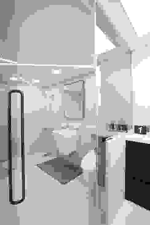 인천 부평 동아2단지 63평형: MID 먹줄의  욕실,모던