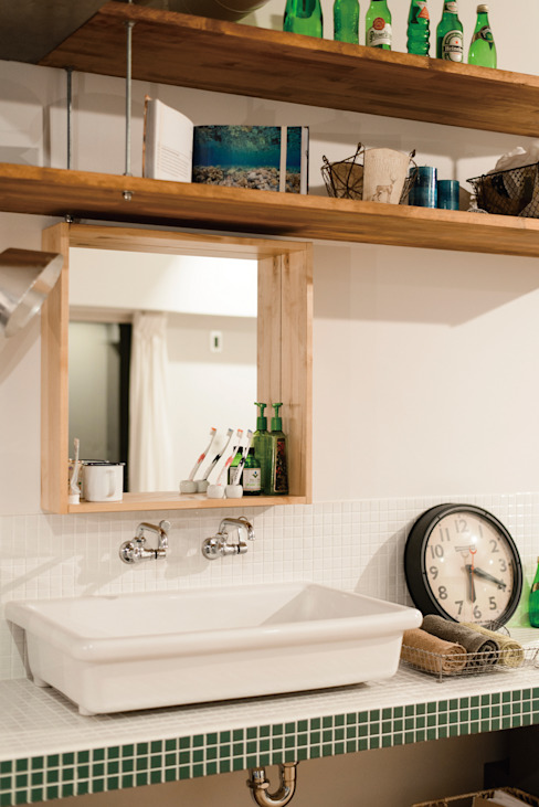 Country style bathroom by 株式会社 アポロ計画 リノベエステイト事業部 Country