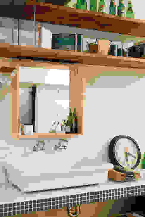 オープンサニタリー: 株式会社 アポロ計画 リノベエステイト事業部が手掛けた浴室です。,カントリー
