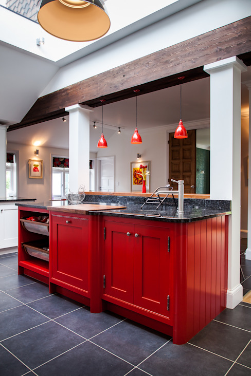 Handmade In Hitchin :  Kitchen by Planet Furniture,