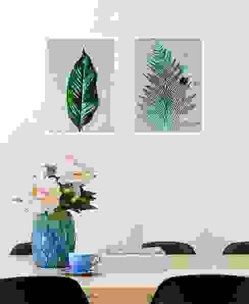 Minimalist dining room by JUNIQE Minimalist