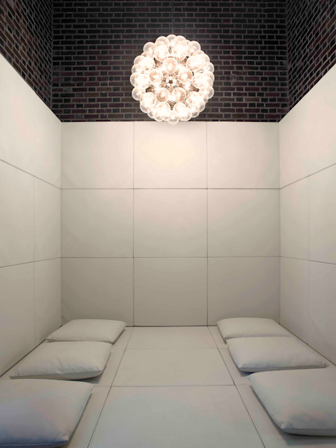 Apartment 60 现代客厅設計點子、靈感 & 圖片 根據 Mackay + Partners 現代風