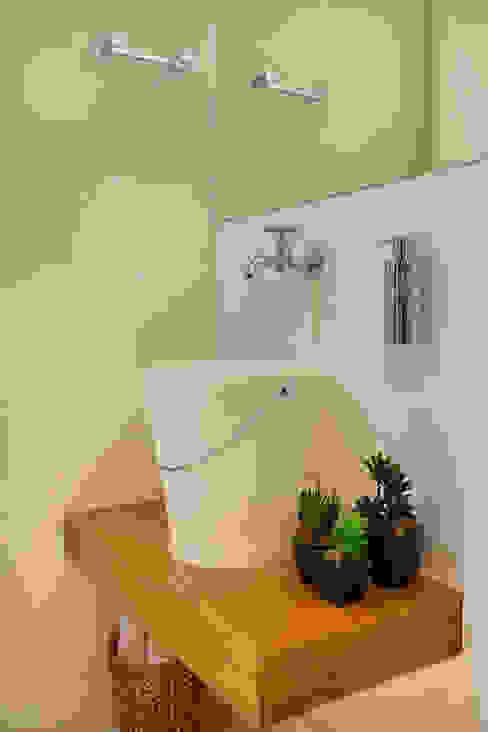 Baños de estilo  por Cadore Arquitetura, Moderno
