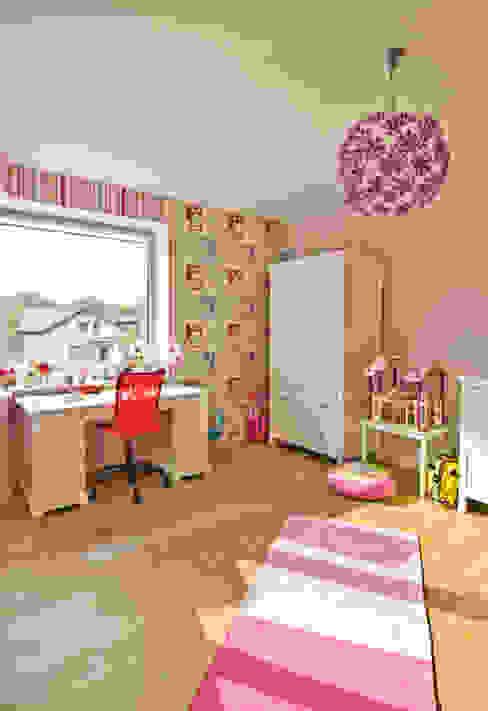 Dormitorios infantiles de estilo moderno de NUX Edward Dylawerski Moderno