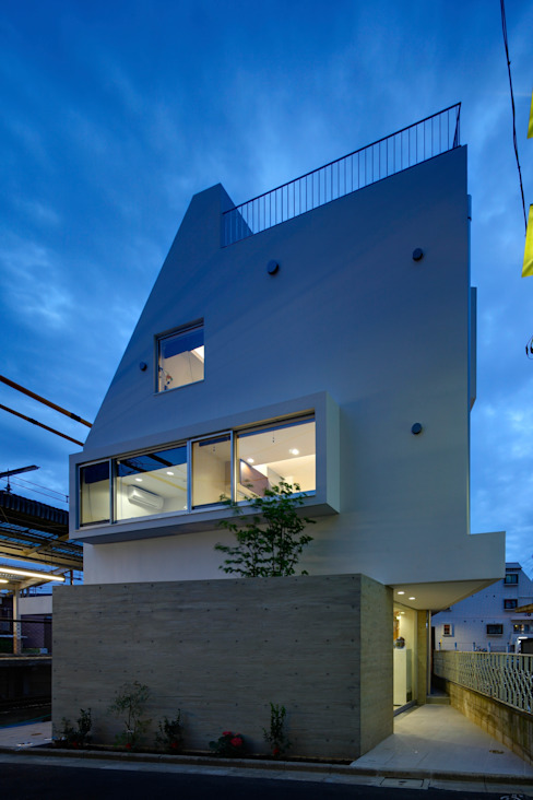 仲摩邦彦建築設計事務所 / Nakama Kunihiko Architects Modern houses