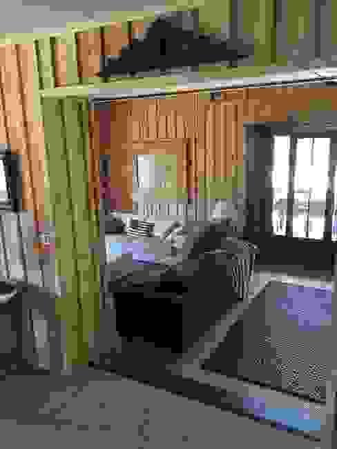 Salas de estilo ecléctico de Concept Home Setting Ecléctico