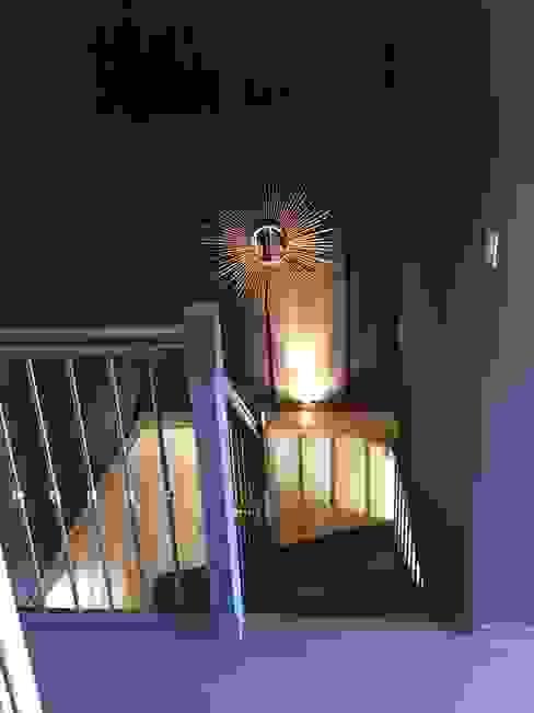 Pasillos, vestíbulos y escaleras de estilo ecléctico de Concept Home Setting Ecléctico