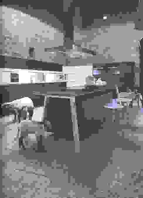 NX500 indigoblauw :  Keuken door Eiland de Wild Keukens,