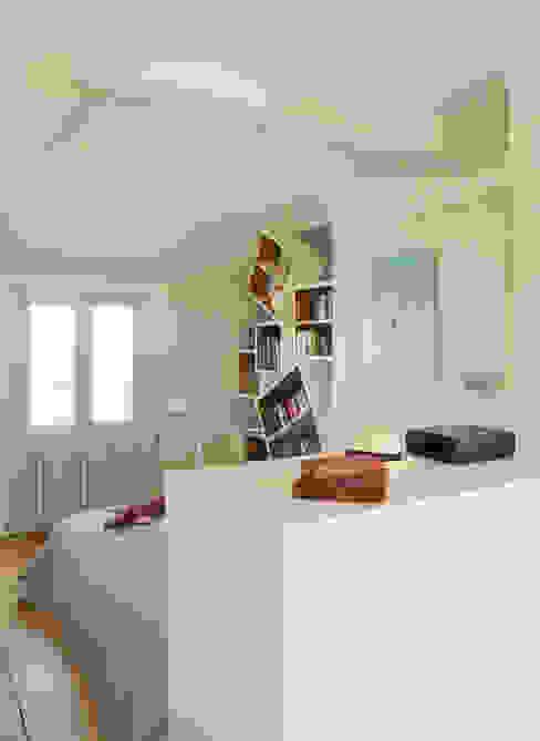 Un Duplex revisité -Neuilly Chambre moderne par ATELIER FB Moderne