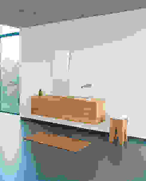 Side table BACKENZAHN e15 Phòng tắm phong cách hiện đại