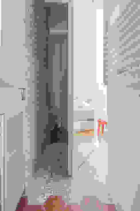 deux pièces Salle de bain moderne par goodnova godiniaux Moderne