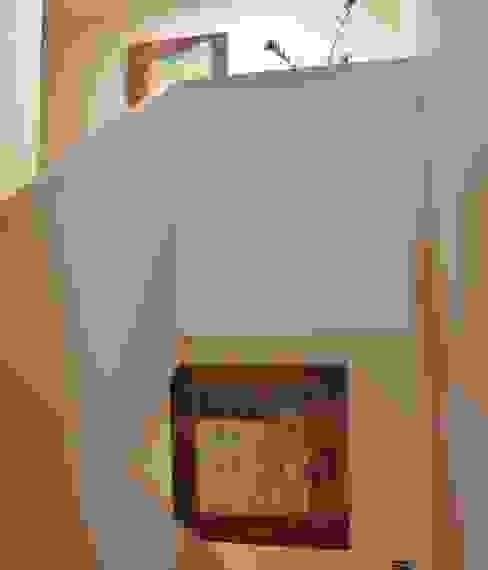 Коридор, прихожая и лестница в модерн стиле от reichart bauplanungsgmbh Модерн